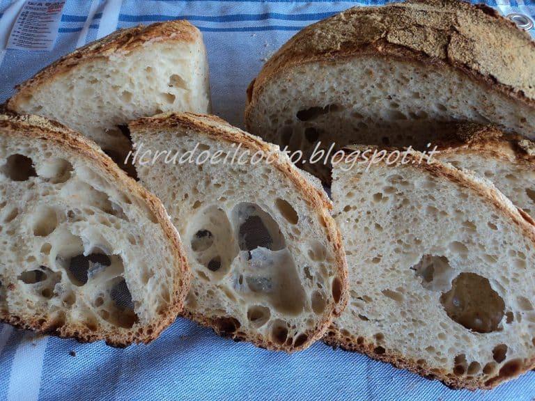 Pane Rustico a lievitazione naturale: facile, veloce, gustoso e profumato!
